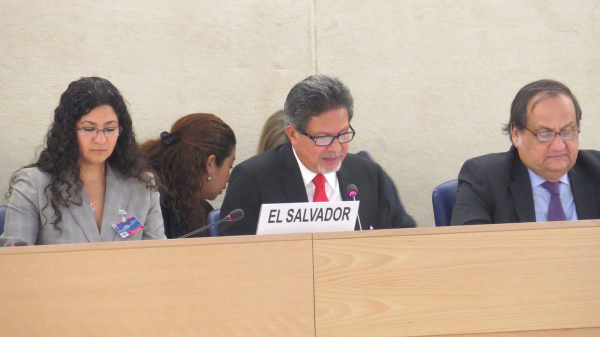 """""""Récord de derechos humanos"""" de El Salvador examinado en la ONU; Estados le piden medidas concretas"""