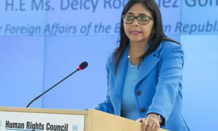 """Venezuela denunció en la ONU """"agresiones multiformes"""" contra el Gobierno de Nicolás Maduro"""