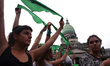 Argentina debe asegurar el acceso al aborto seguro a las adolescentes: expertos de la ONU