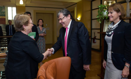 """""""Colombia no tiene capacidad para hacerle frente sola a semejante crisis migratoria"""": Carlos Holmes Trujillo"""