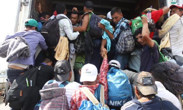 Migrantes centroamericanos están pidiendo asilo en México o regresando a Honduras