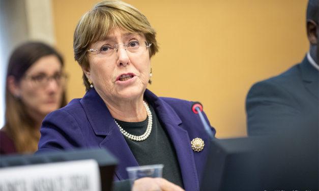 """""""Todas las partes deben renunciar al uso de la violencia en Venezuela"""": Michelle Bachelet"""