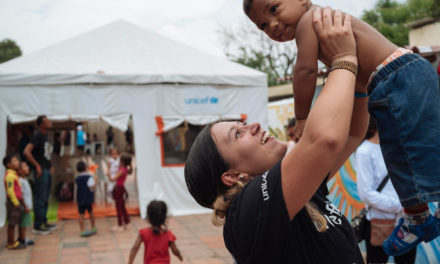 La ONU apoyará financieramente a Colombia para otorgar la nacionalidad a niños venezolanos