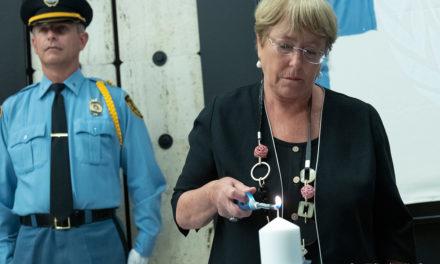 """""""La lucha por la justicia climática y los derechos humanos no es un enfrentamiento político"""": Bachelet"""