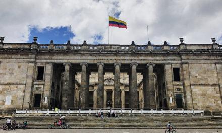 """""""Después de décadas de conflicto, la violencia ha sido normalizada en Colombia"""": Michelle Bachelet"""